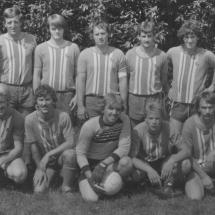 Mannschaft 2 82-83